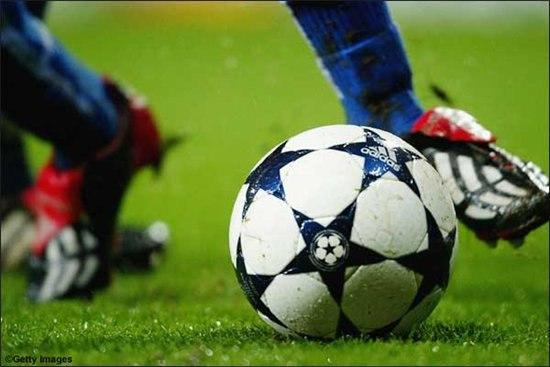 Где научиться играть в футбол в Киеве?