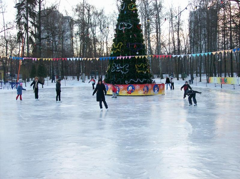 Где находятся ледовые катки в Киеве?